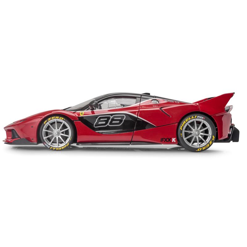Ferrari FXX-K SIGNATURE SERIES - Red 1:18 BBURAGO BUR B18-16907