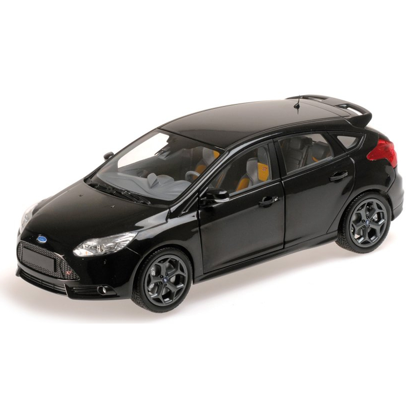 Ford Focus ST 2011 - Black 1:18 MINICHAMPS MINC-110082000